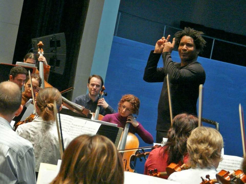 La Orquesta de Extremadura abre 2012 en familia