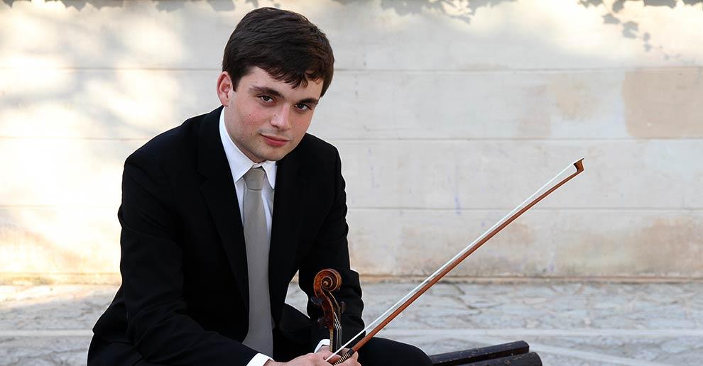 El último concierto del año de la Orquesta de Extremadura tendrá como solista al violinista Francisco García Fullana