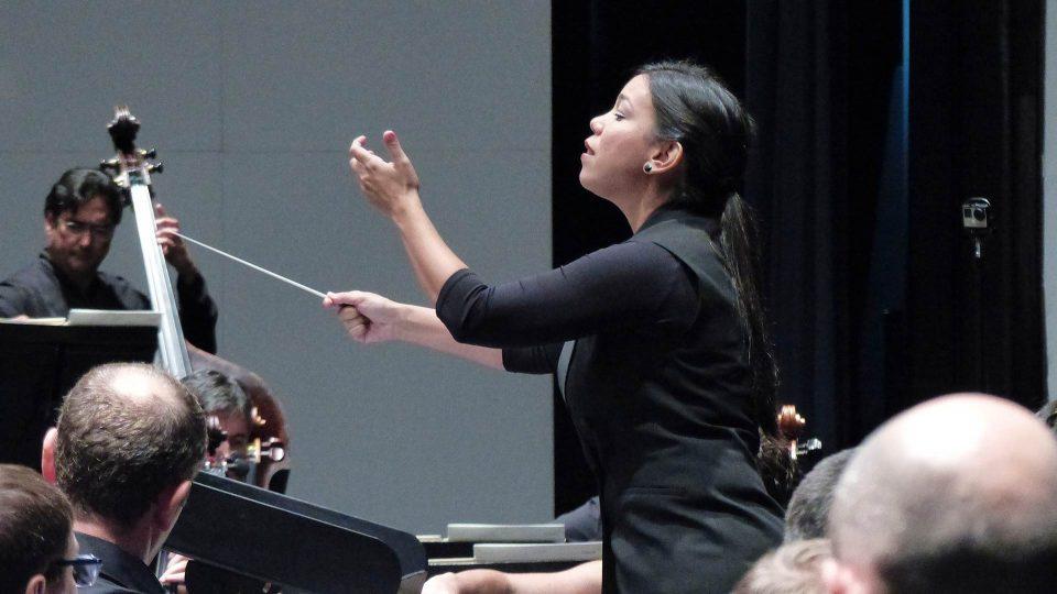 Jhoanna Sierralta en el I Curso de dirección de la Orquesta de Extremadura