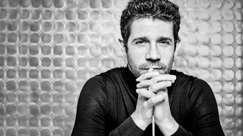 Andrés Salado será director titular y artístico de la OEX a partir de la 2021-2022