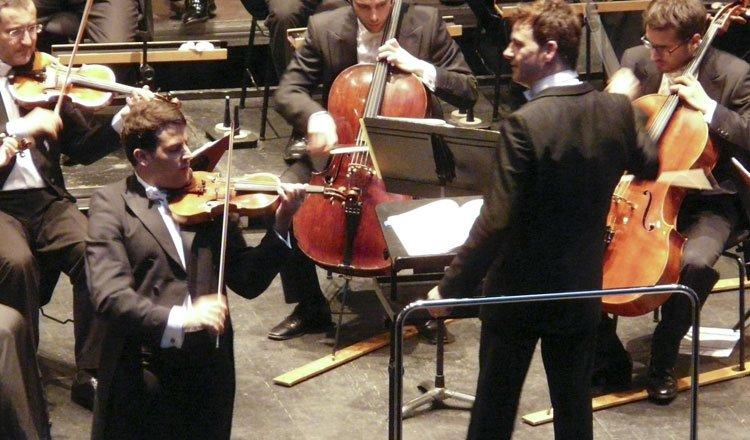 Momento del concierto con Amaury Coeytaux y Álvaro Albiach en 2013